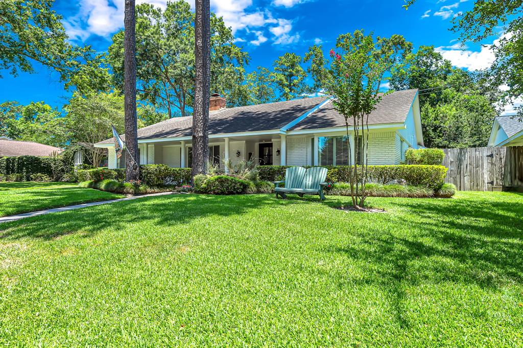 Briargrove Park, Houston House for sale, House with a pool,    10006 Cedar Creek  Drive Houston, TX 77042 6