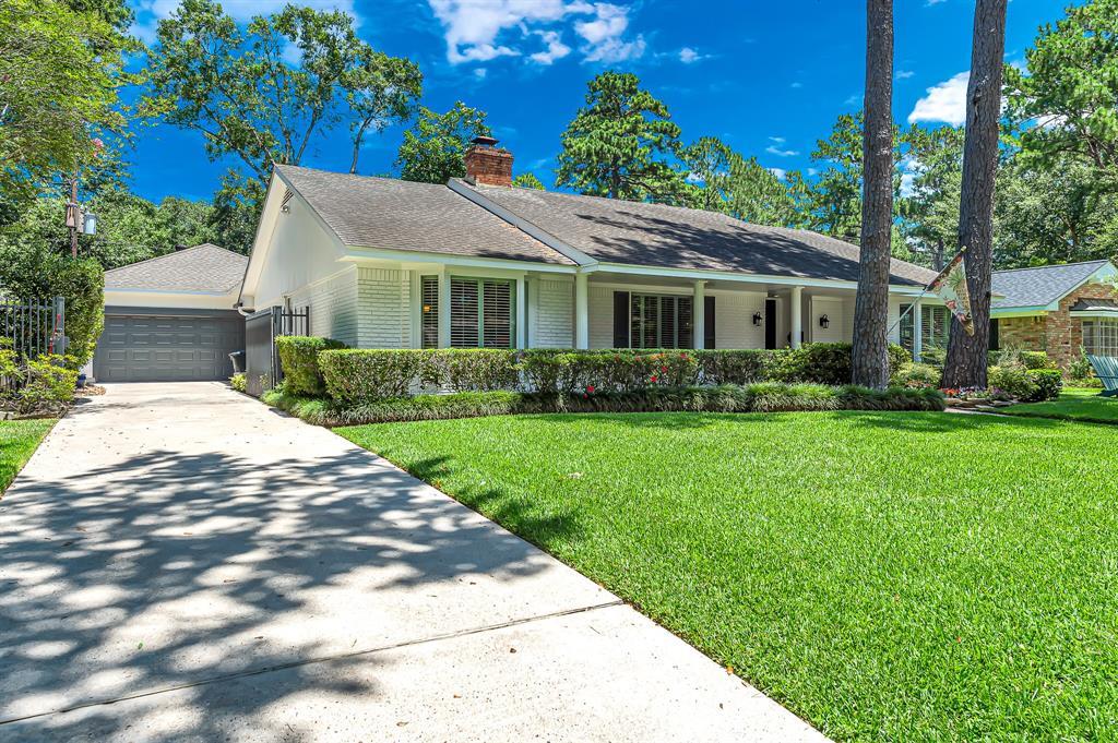 Briargrove Park, Houston House for sale, House with a pool,    10006 Cedar Creek  Drive Houston, TX 77042 7