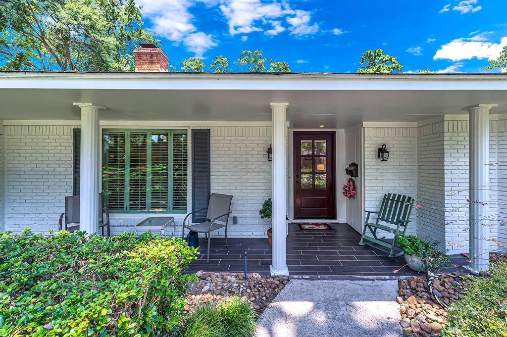 Briargrove Park, Houston House for sale, House with a pool,    10006 Cedar Creek  Drive Houston, TX 77042 8
