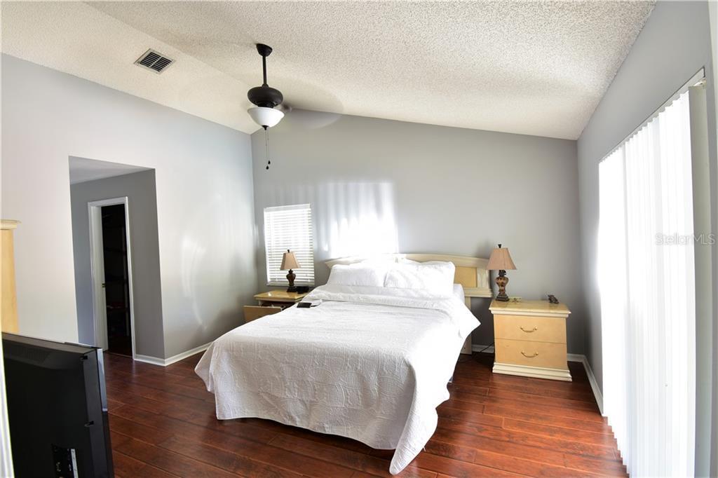 Sold Property | 3915 TURNBURY  STREET VALRICO, FL 33596 24