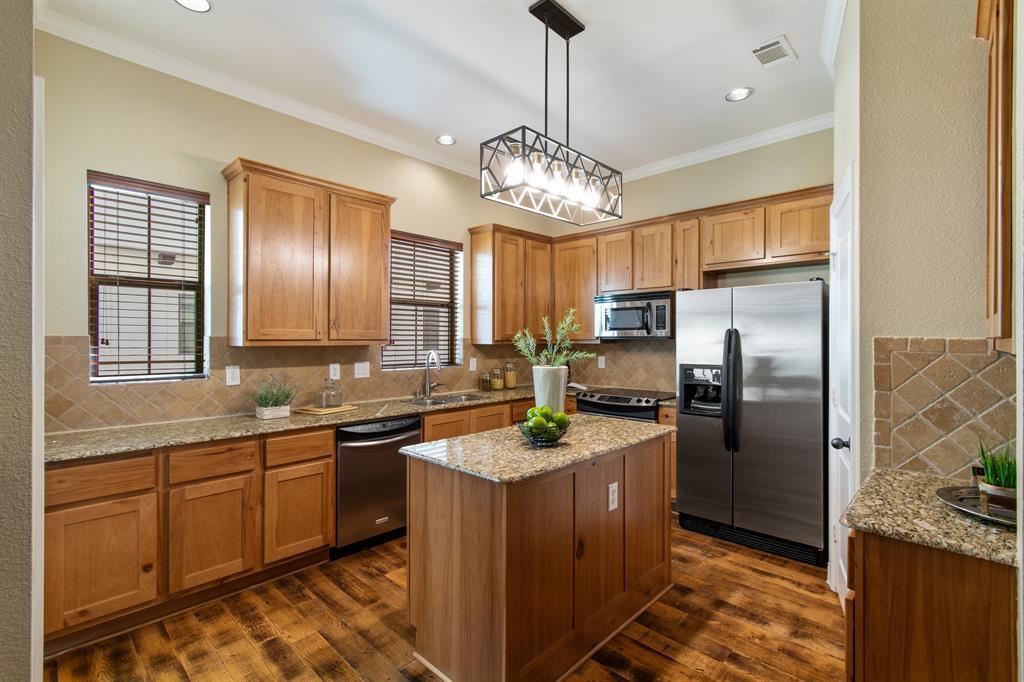 Sold Property | 3020 Carmel  Street Dallas, TX 75204 13