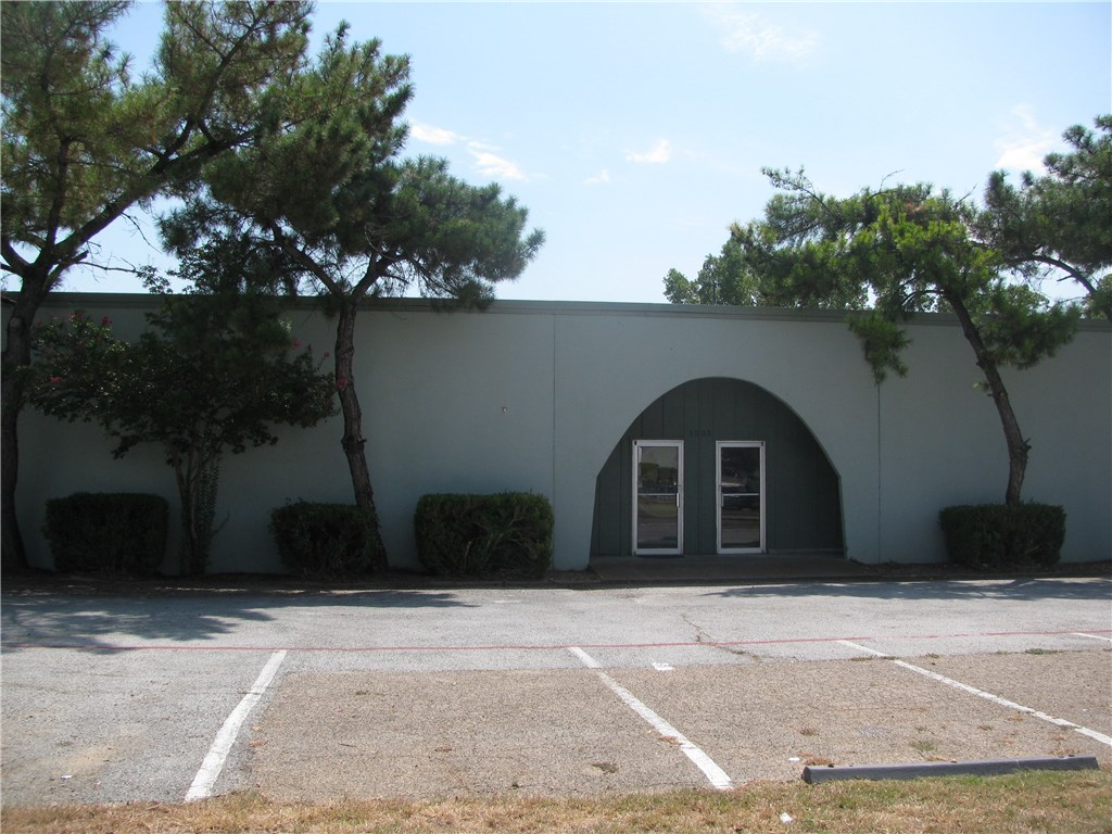 Property for Rent | 1507 Central Park Drive Hurst, Texas 76053 3
