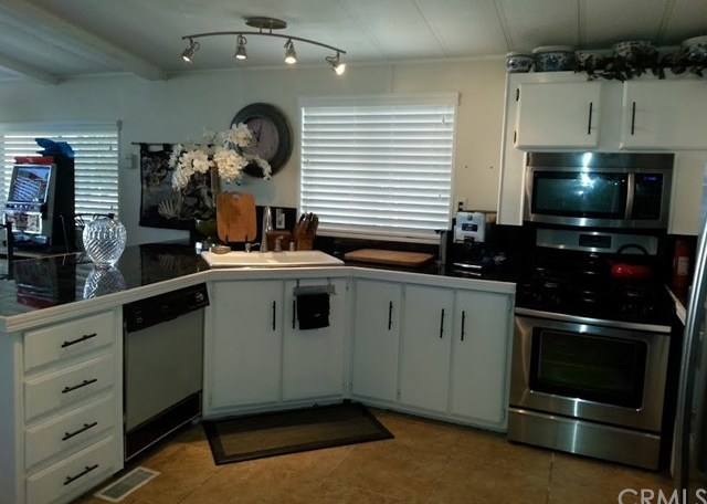 Closed | 22 Coble Drive #22 Cathedral City, CA 92234 5