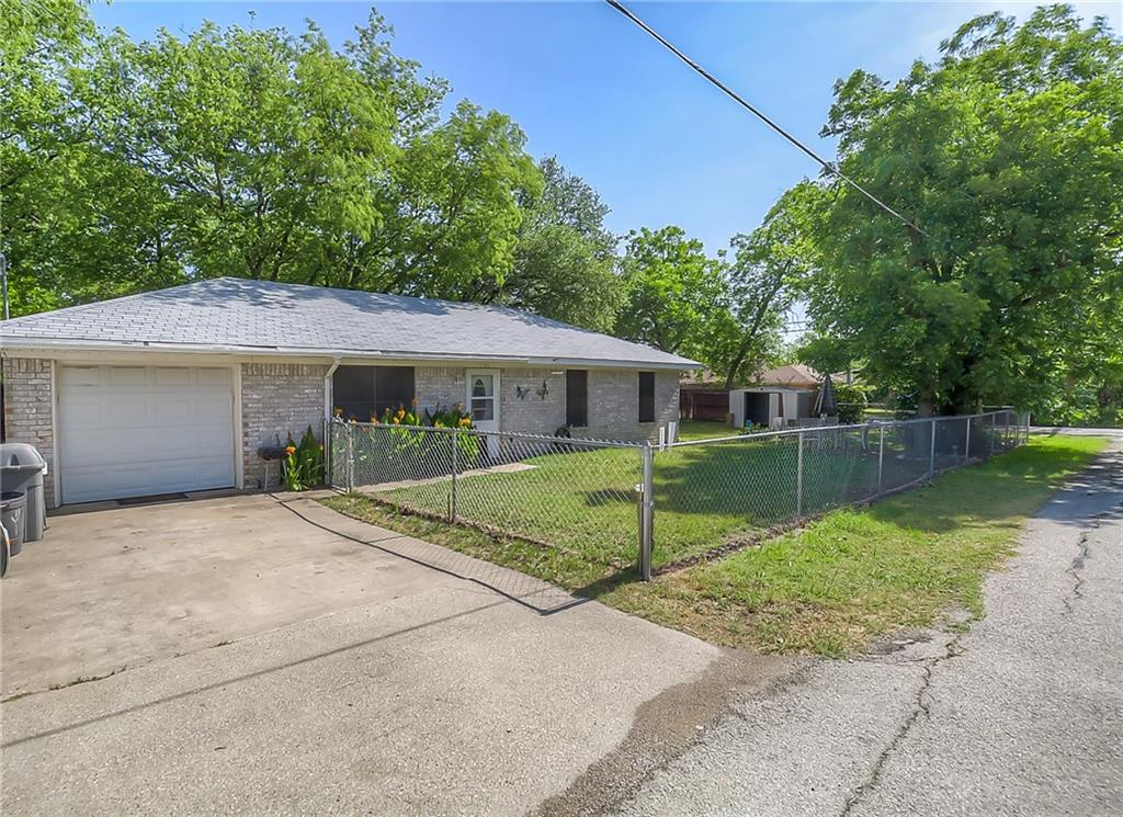 Sold Property | 700 Wood Street Sanger, Texas 76266 3