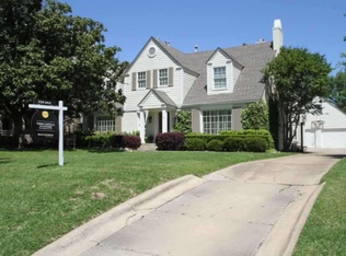 Sold Property | 3524 Southwestern Boulevard Dallas, TX 75225 11