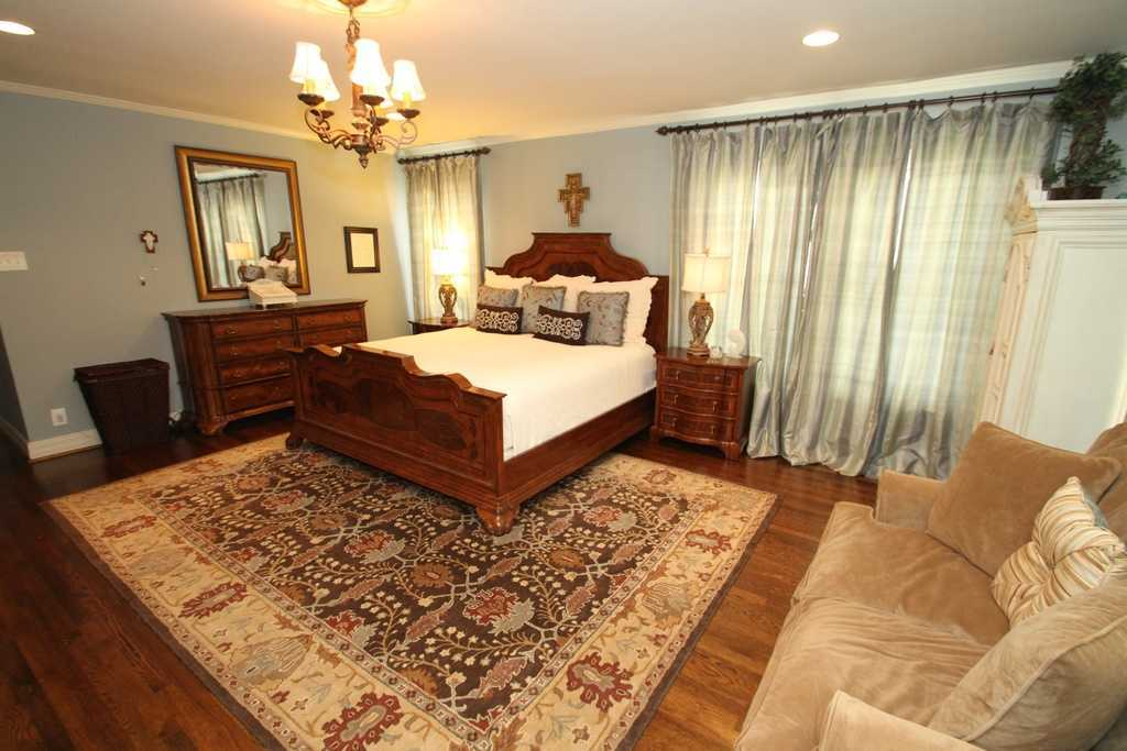 Sold Property | 3524 Southwestern Boulevard Dallas, TX 75225 2