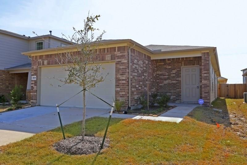 Pending | 2514 Skyview Silver  Drive Houston, TX 77047 2