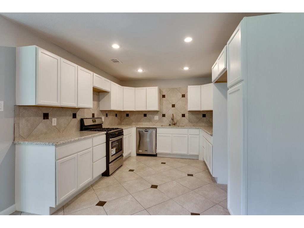 Sold Property | 161 Ravenswood Drive Bedford, Texas 76022 7