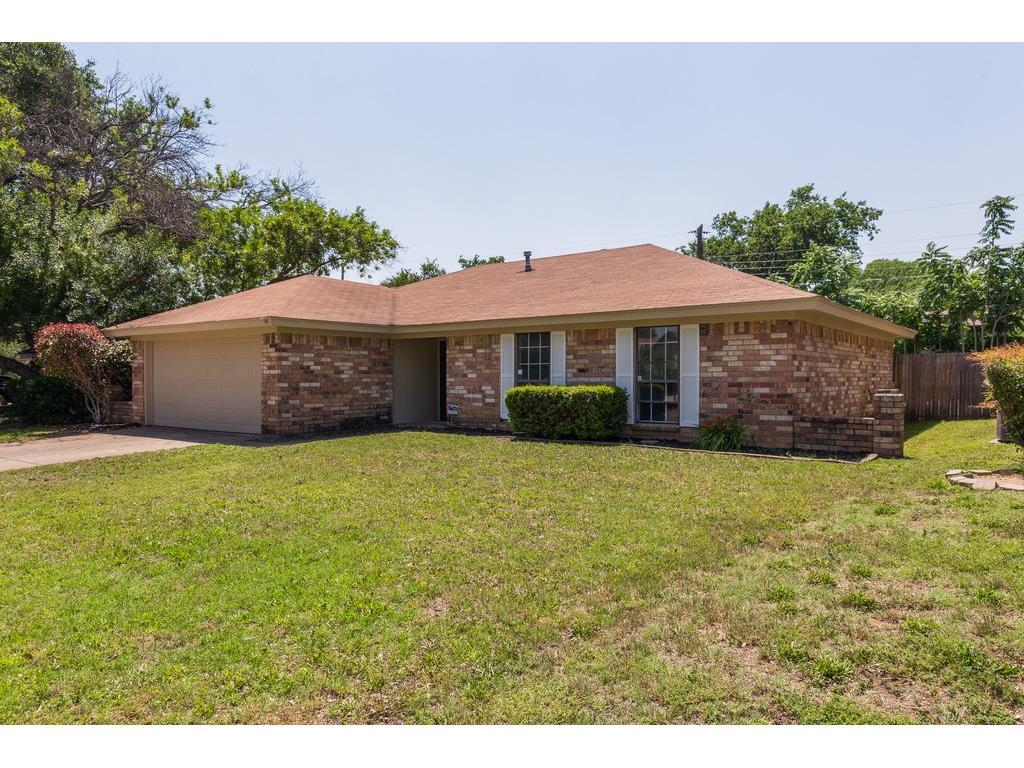 Sold Property | 905 Columbus Court Bedford, Texas 76022 1