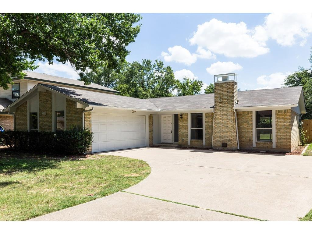 Sold Property | 924 Columbus Court Bedford, Texas 76022 1