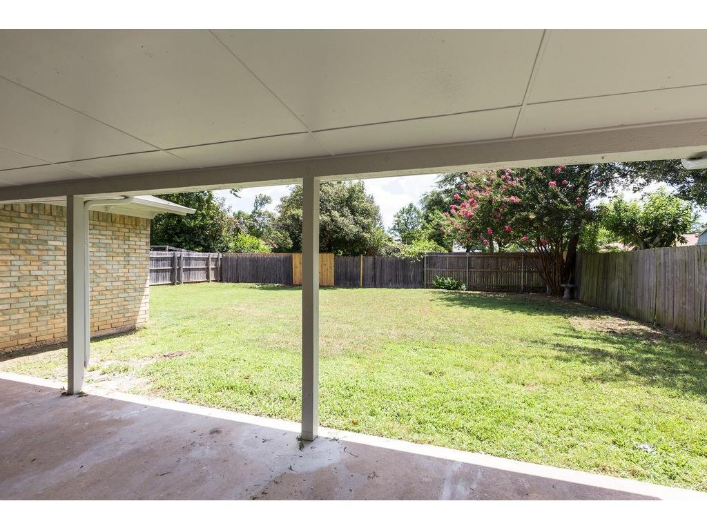 Sold Property | 924 Columbus Court Bedford, Texas 76022 20