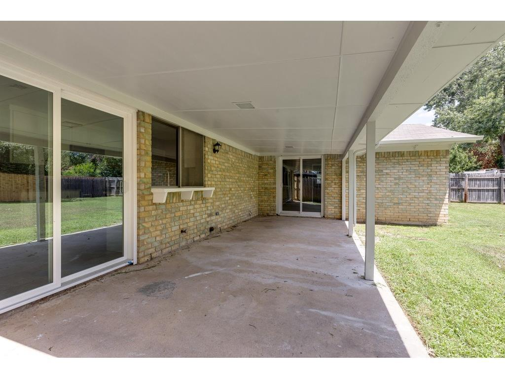 Sold Property | 924 Columbus Court Bedford, Texas 76022 21