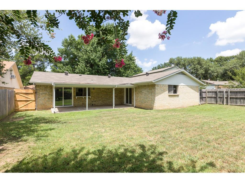 Sold Property | 924 Columbus Court Bedford, Texas 76022 22