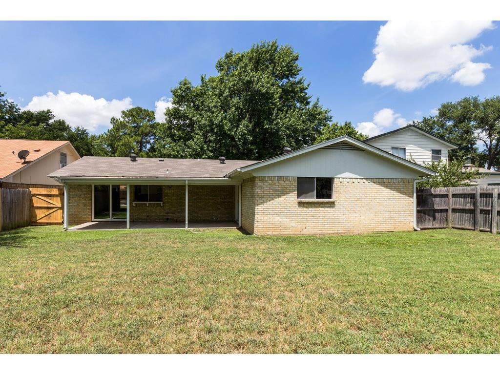 Sold Property | 924 Columbus Court Bedford, Texas 76022 23