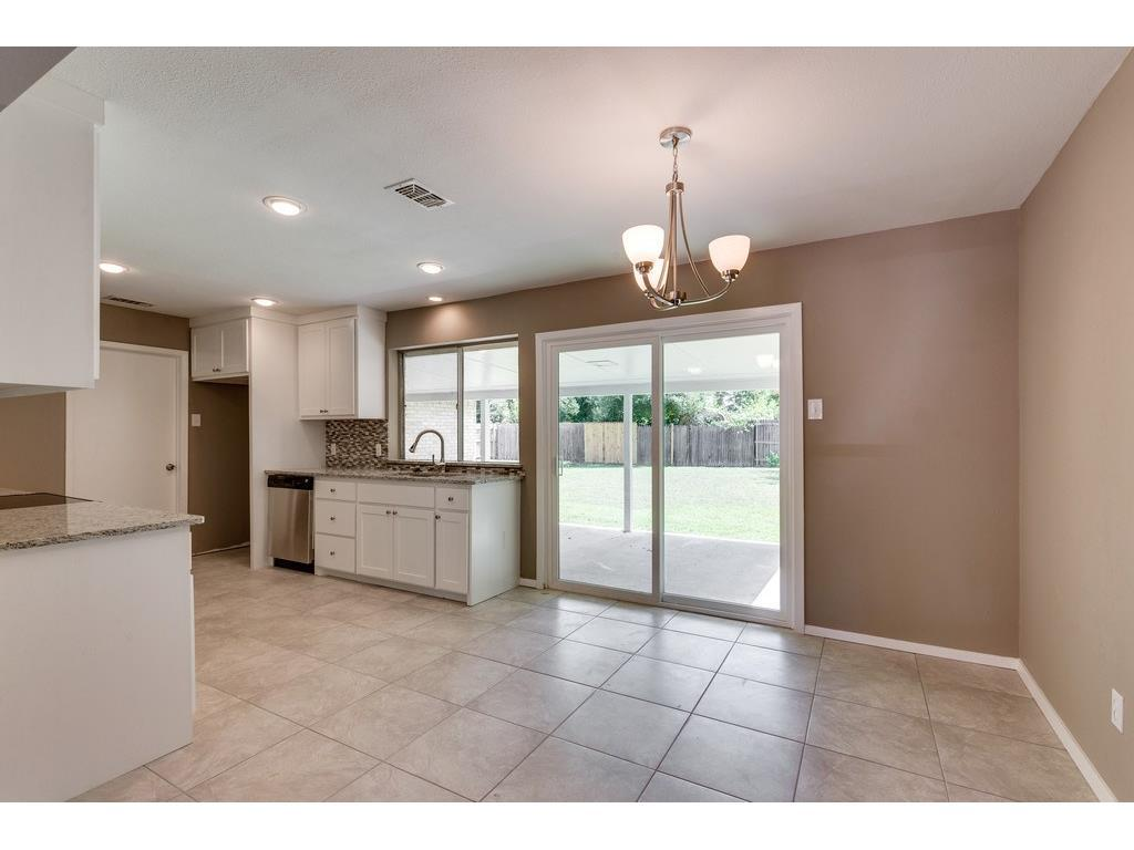 Sold Property | 924 Columbus Court Bedford, Texas 76022 5