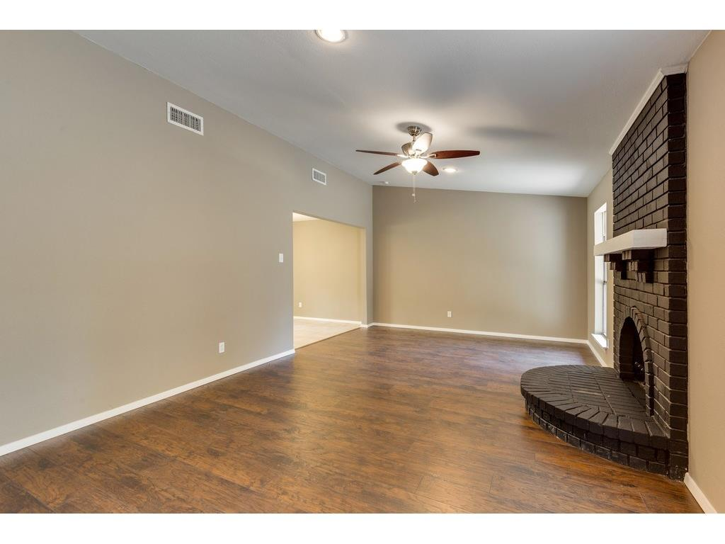 Sold Property | 924 Columbus Court Bedford, Texas 76022 9