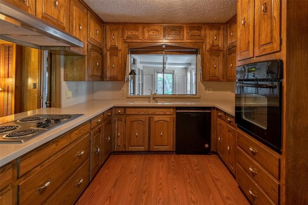 Sold Property   2145 Cambridge  Drive Hurst, TX 76054 10