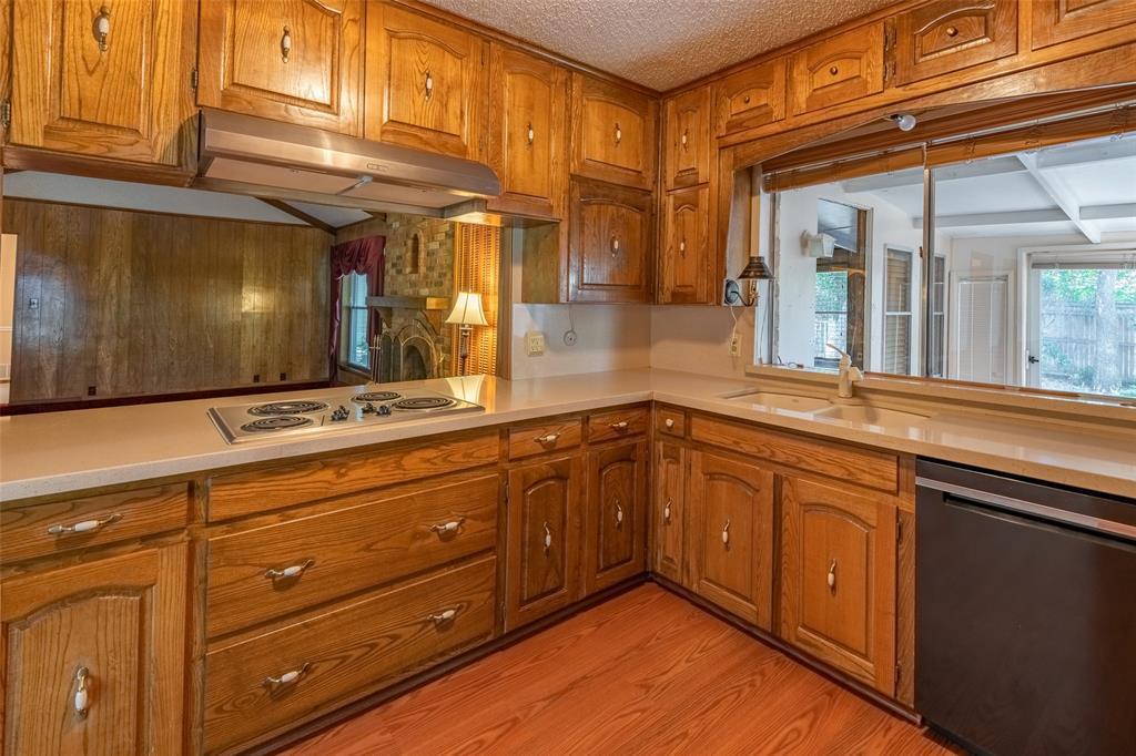 Sold Property   2145 Cambridge  Drive Hurst, TX 76054 11