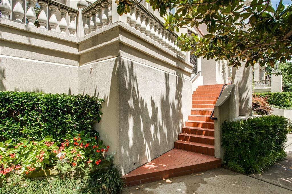 Sold Property | 3702 Holland Avenue #10 Dallas, Texas 75219 1
