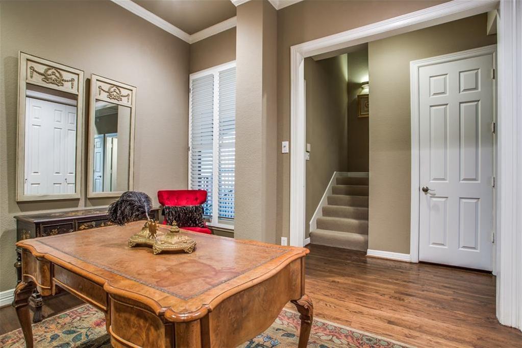 Sold Property | 3702 Holland Avenue #10 Dallas, Texas 75219 3
