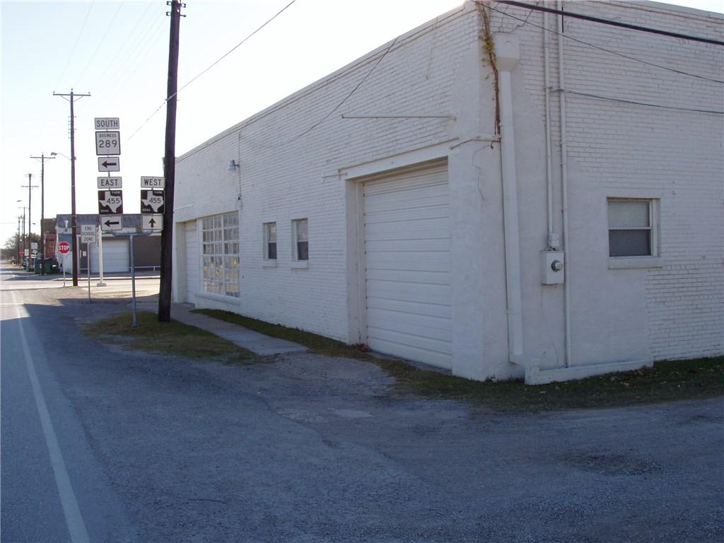 Pending | 203 W Pecan Street Celina, Texas 75009 1