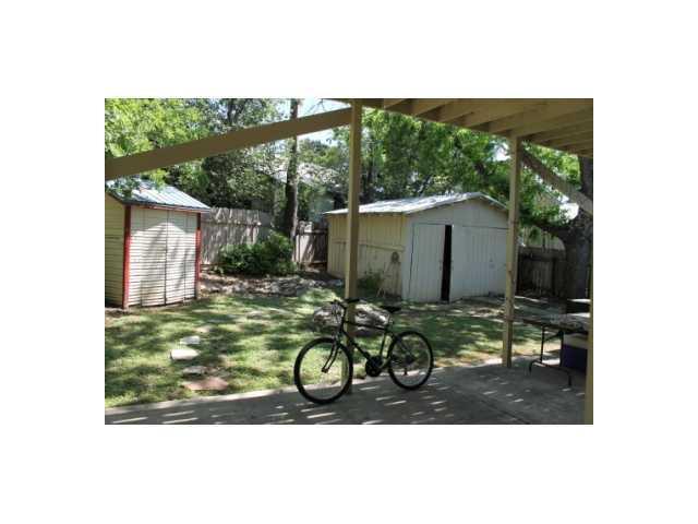 Sold Property | 3111 Hemphill  PARK Austin, TX 78705 24
