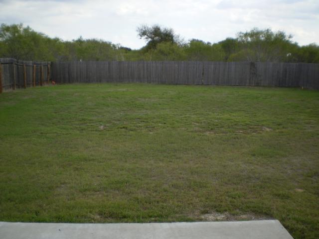 Leased | 13904 Briarcreek Manor, TX 78653 2