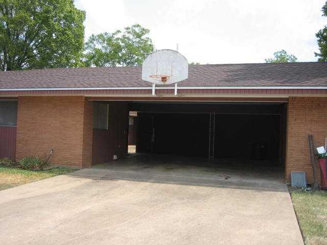 Leased | 305 N Harvey  ST Other, TX 77836 2