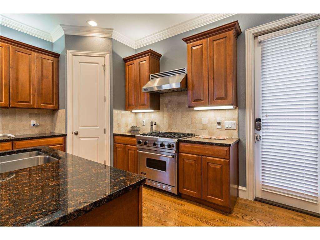 Sold Property | 2616 N Henderson  Avenue Dallas, TX 75206 10
