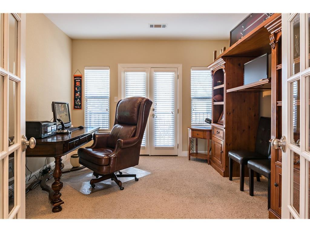 Sold Property | 2616 N Henderson  Avenue Dallas, TX 75206 16