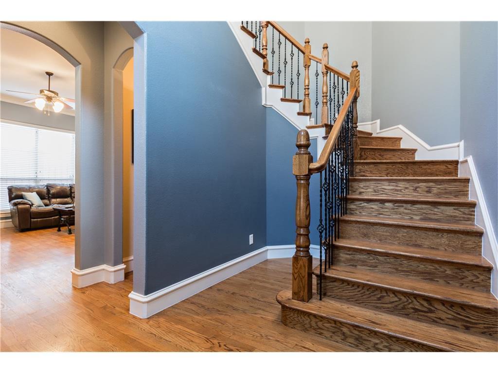 Sold Property | 2616 N Henderson  Avenue Dallas, TX 75206 2