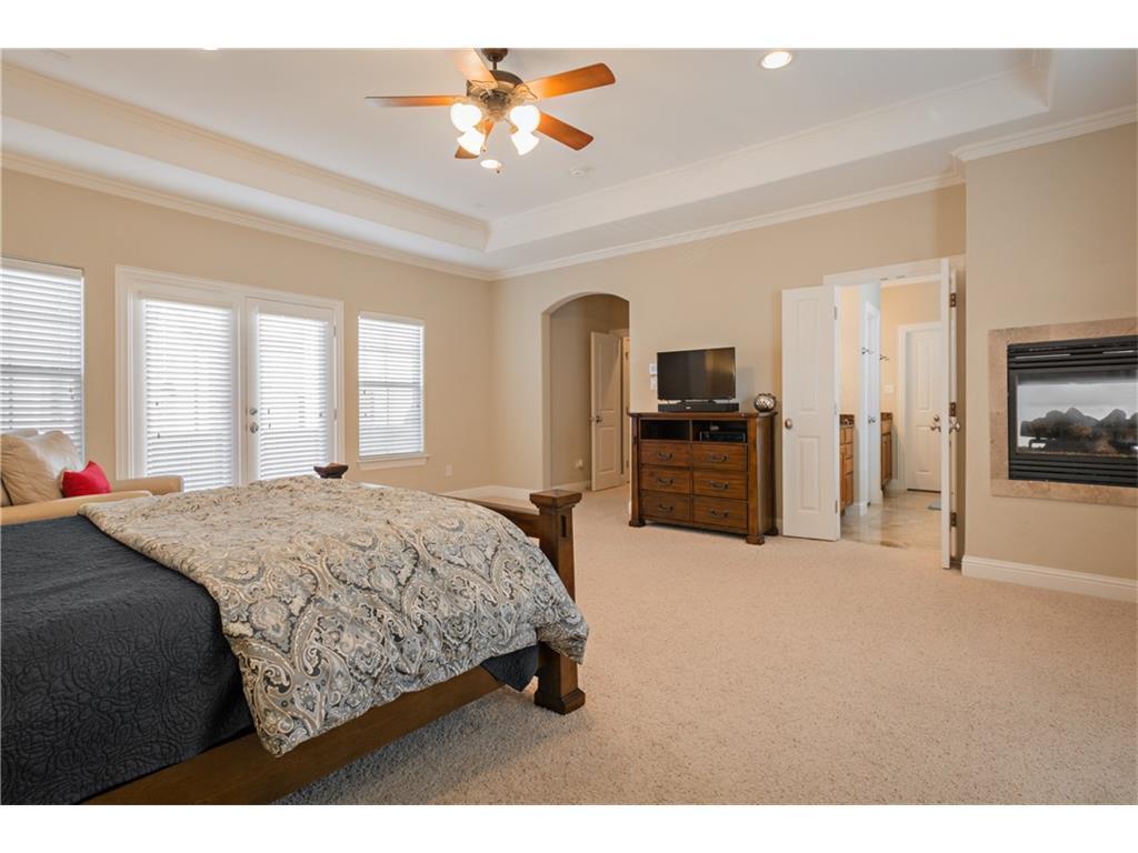 Sold Property | 2616 N Henderson  Avenue Dallas, TX 75206 24