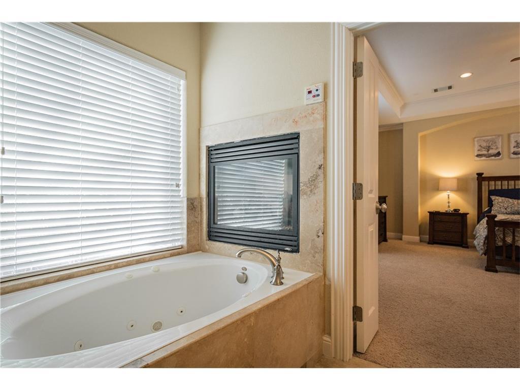Sold Property | 2616 N Henderson  Avenue Dallas, TX 75206 28