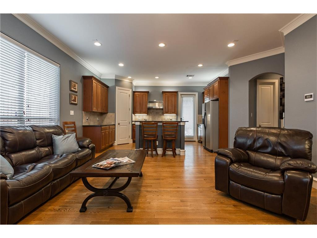 Sold Property | 2616 N Henderson  Avenue Dallas, TX 75206 5