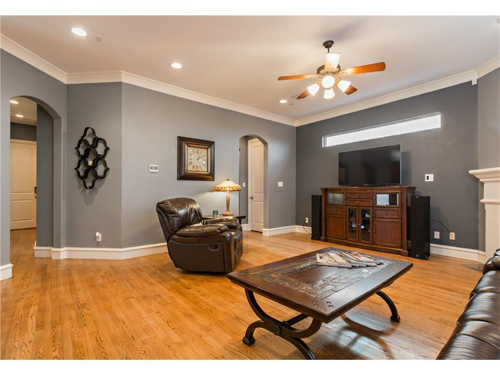 Sold Property | 2616 N Henderson  Avenue Dallas, TX 75206 7