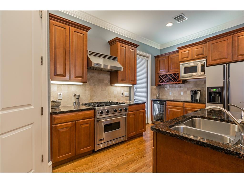Sold Property | 2616 N Henderson  Avenue Dallas, TX 75206 9