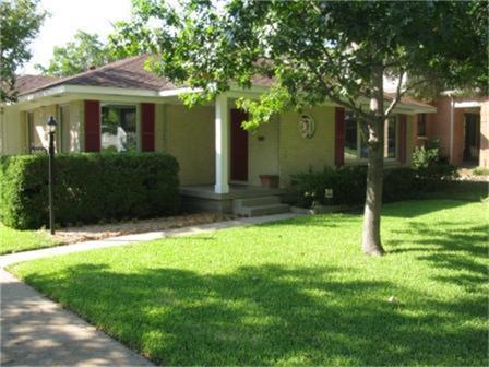 Leased | 6860 Southridge Drive Dallas, Texas 75214 2