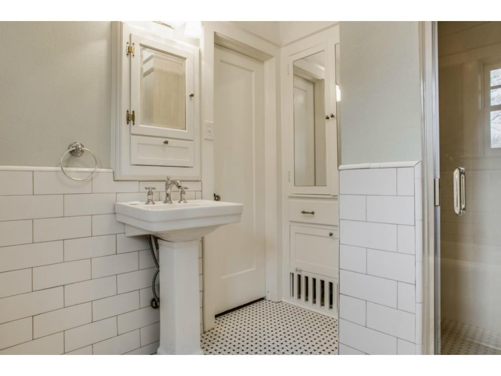 Sold Property | 6709 Lakewood  Boulevard Dallas, TX 75214 16