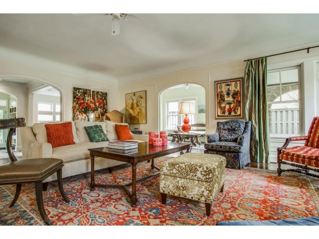 Sold Property | 6709 Lakewood  Boulevard Dallas, TX 75214 2