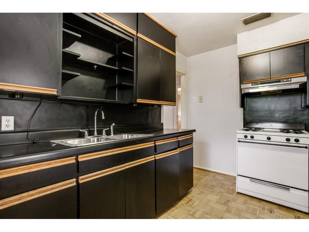 Sold Property   9014 Daytonia  Avenue Dallas, TX 75218 13