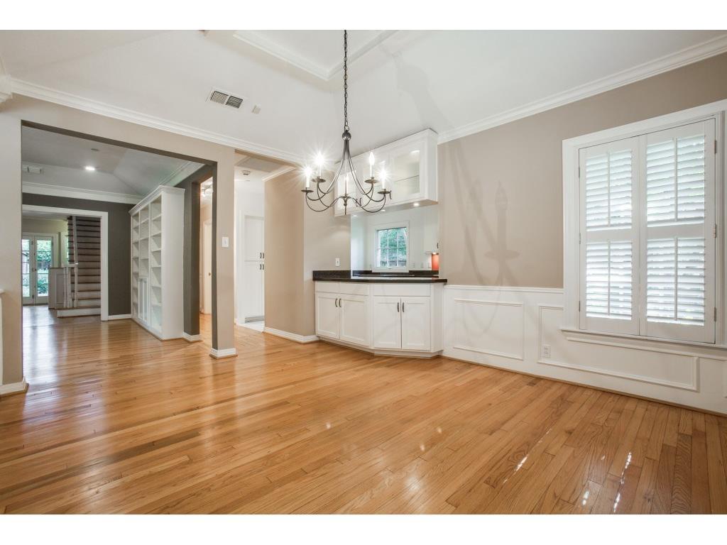 Sold Property   7028 Westlake Avenue Dallas, Texas 75214 12