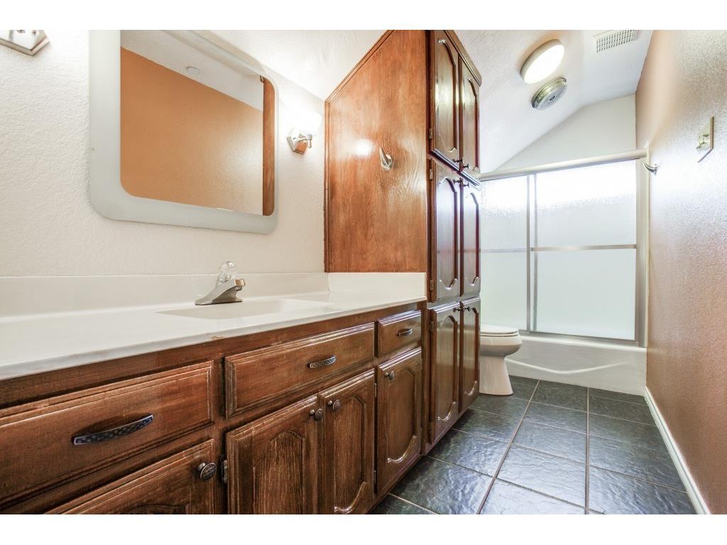 Sold Property   7028 Westlake Avenue Dallas, Texas 75214 17