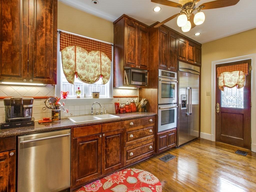 Sold Property | 6015 Gaston Avenue Dallas, Texas 75214 10