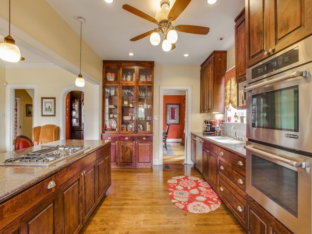 Sold Property | 6015 Gaston Avenue Dallas, Texas 75214 12