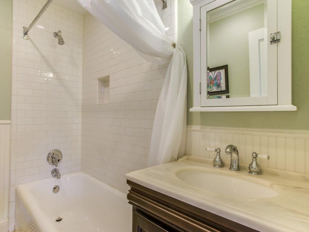Sold Property | 6015 Gaston Avenue Dallas, Texas 75214 19