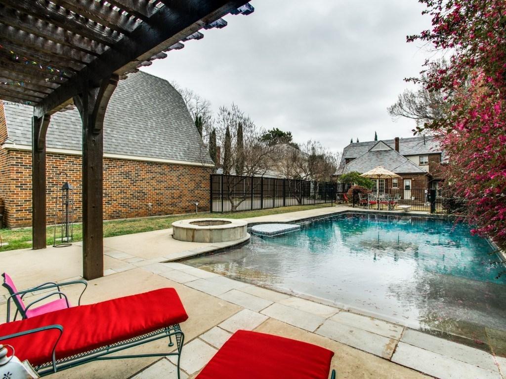 Sold Property | 6015 Gaston Avenue Dallas, Texas 75214 23