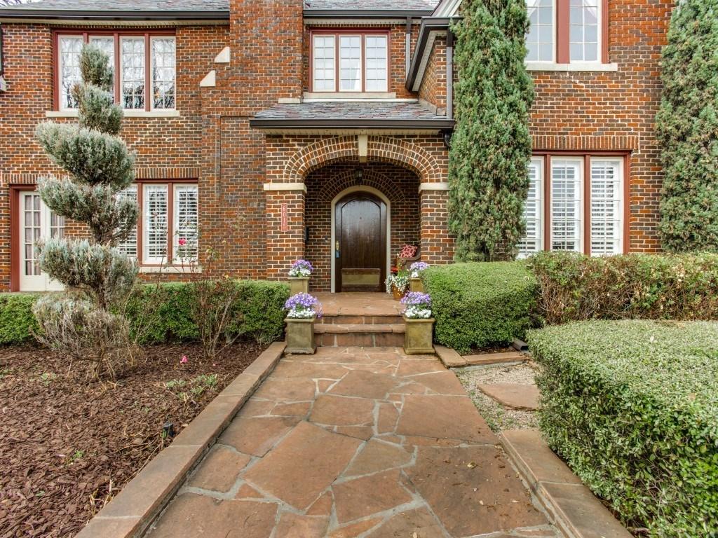 Sold Property | 6015 Gaston Avenue Dallas, Texas 75214 3