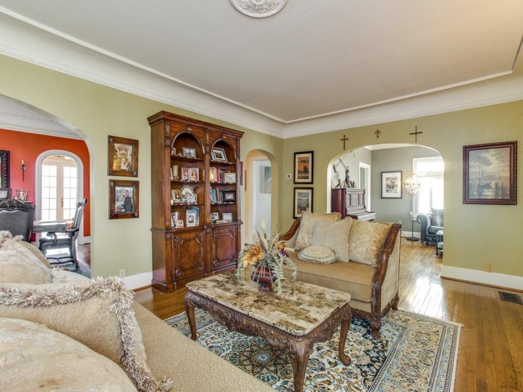 Sold Property | 6015 Gaston Avenue Dallas, Texas 75214 5