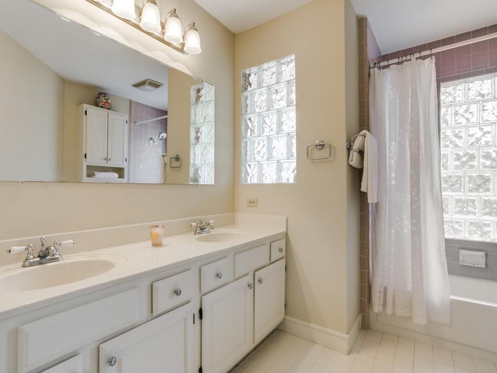 Sold Property | 5614 Vanderbilt  Avenue Dallas, TX 75206 12