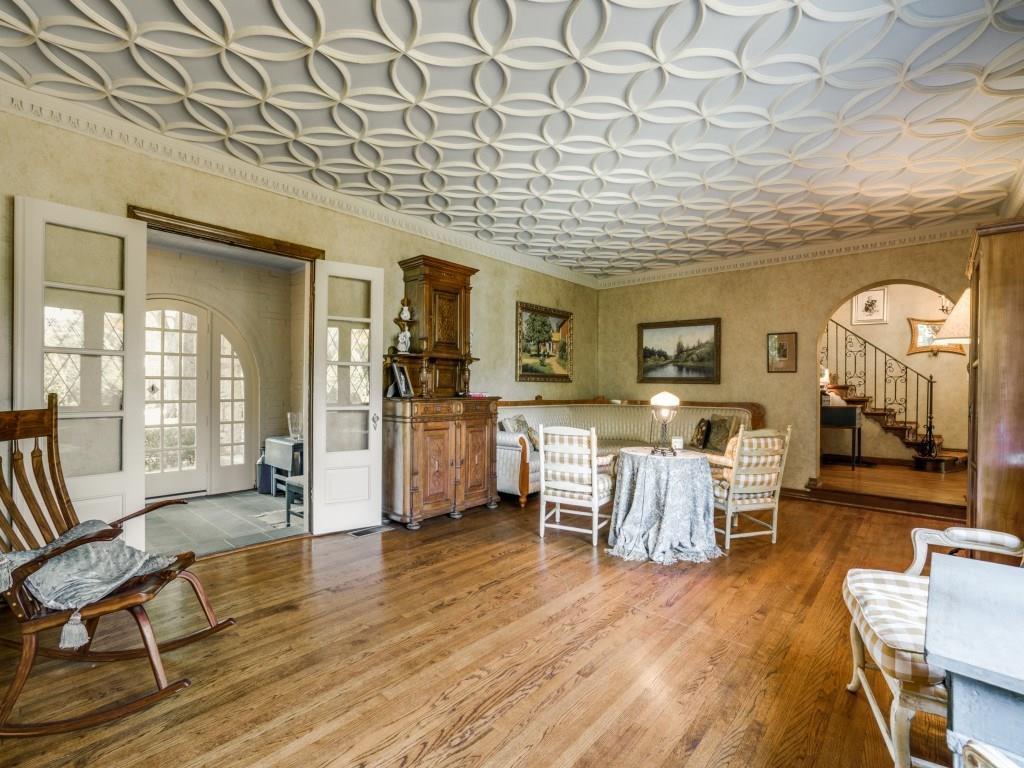 Sold Property | 6748 Lakewood Boulevard Dallas, Texas 75214 6